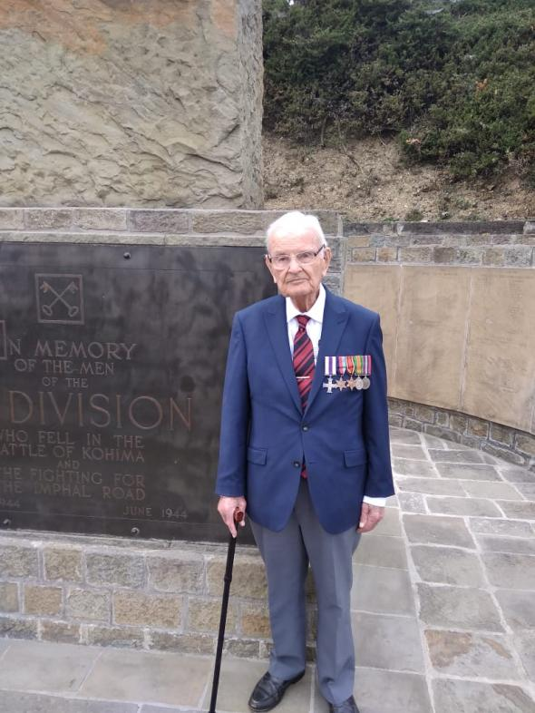 Major David Young MC visits memorial 2nd Division